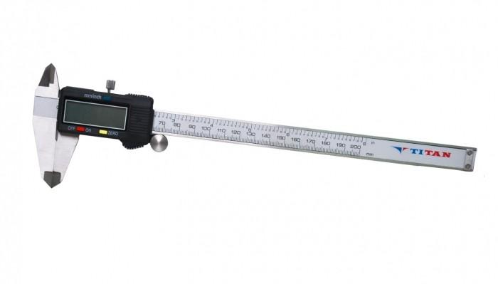 Paquimetro Digital 200MM TIT-C454