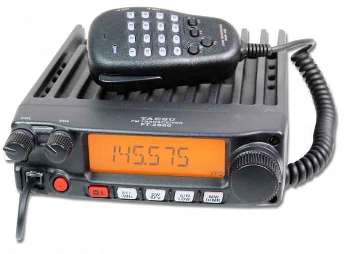 YAESU RADIO VHF FT-2900